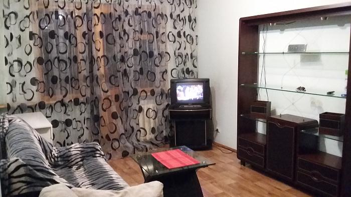 2-комнатная квартира посуточно в Одессе. Малиновский район, ул. Академика Филатова, 27. Фото 1