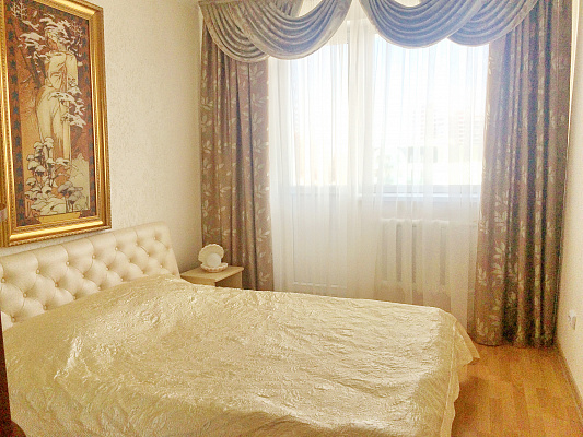 2-комнатная квартира посуточно в Одессе. Приморский район, ул. Леонтовича, 6. Фото 1