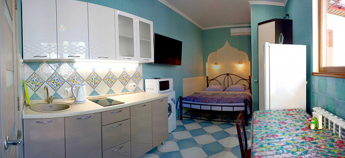 1-комнатная квартира посуточно в Севастополе. Ленинский район, ул. Генерала Петрова, 6а. Фото 1