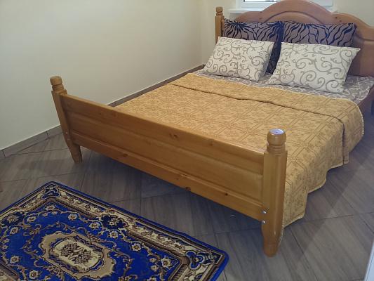 2-комнатная квартира посуточно в Геническе. ул. Соборная, 120. Фото 1