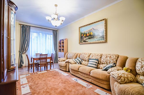 3-комнатная квартира посуточно в Львове. Галицкий район, ул. Петра Дорошенко, 57. Фото 1