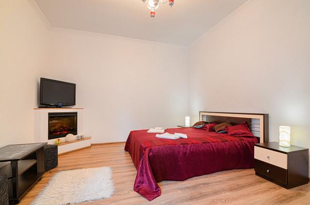2-комнатная квартира посуточно в Львове. Галицкий район, ул. Пантелеймона Кулиша, 29. Фото 1