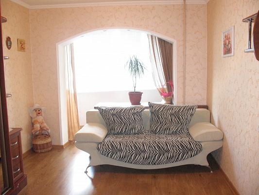 3-комнатная квартира посуточно в Южном. пр-т Григорьевского Десанта, 22а. Фото 1