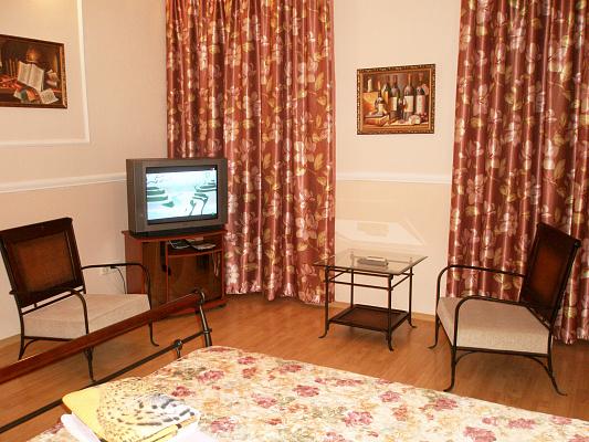 2-комнатная квартира посуточно в Одессе. Приморский район, ул. Еврейская, 19. Фото 1