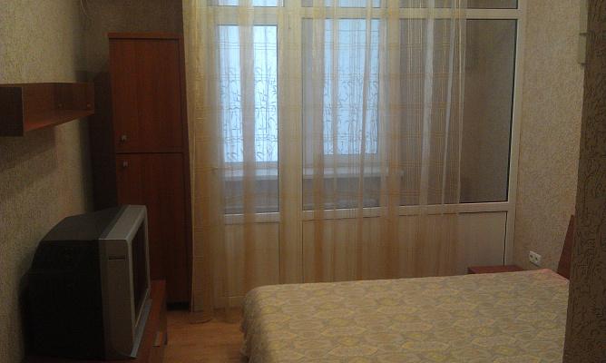 1-комнатная квартира посуточно в Кривом Роге. Саксаганский район, пр-т Мира, 33. Фото 1