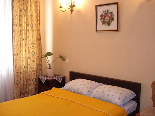 2-комнатная квартира посуточно в Одессе. Приморский район, ул. Тенистая, 9. Фото 1