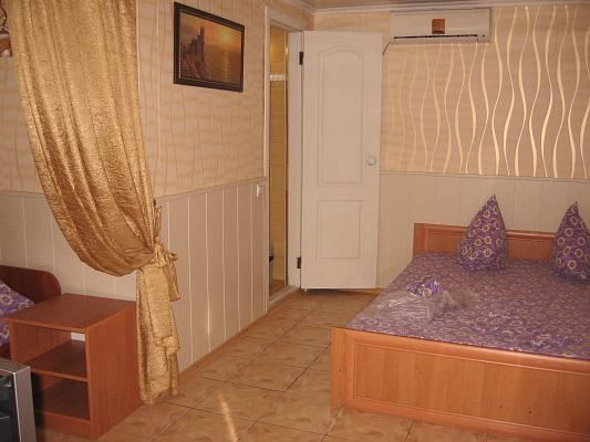 Мини-отель  посуточно в Бердянске. ул. Чубаря, 77. Фото 1