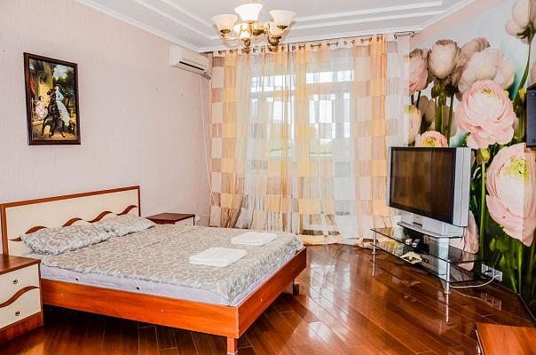 2-комнатная квартира посуточно в Одессе. Киевский район, Фонтанская дорога, 123. Фото 1