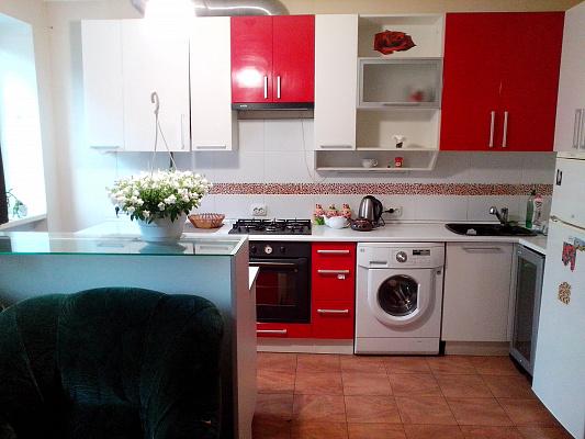 3-комнатная квартира посуточно в Каменце-Подольском. ул. Доминиканская, 2б. Фото 1