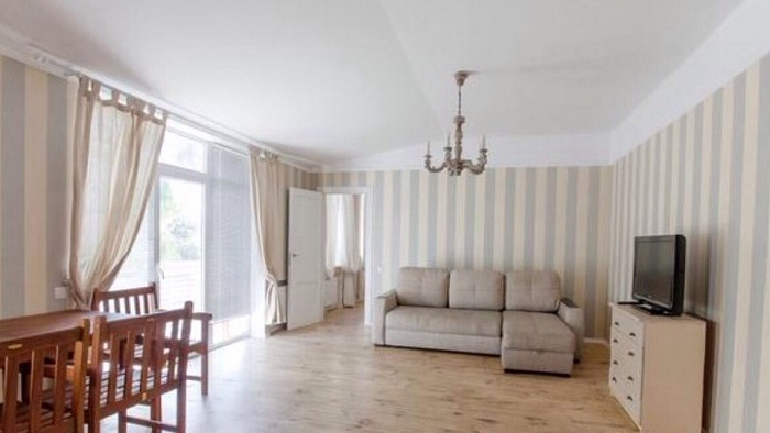2-комнатная квартира посуточно в Одессе. Приморский район, ул. Жуковского, 30. Фото 1