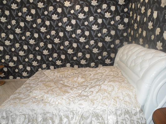 1-комнатная квартира посуточно в Измаиле. пр-т Мира (Ленина), 35. Фото 1