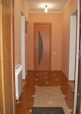 2-комнатная квартира посуточно в Симферополе. Киевский район, ул. Зои Жильцовой,. Фото 1