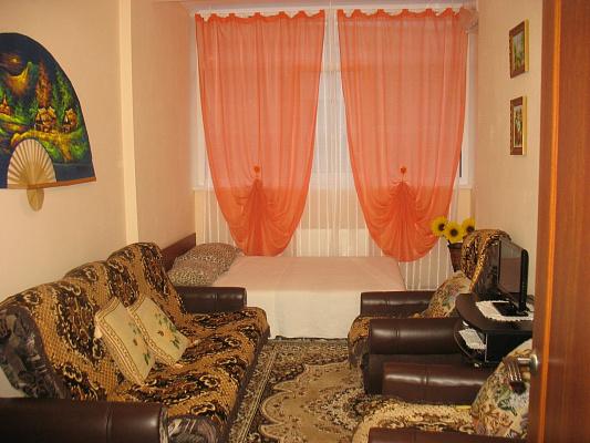1-комнатная квартира посуточно в Севастополе. Гагаринский район, ул. Адмирала Фадеева, 21Д. Фото 1
