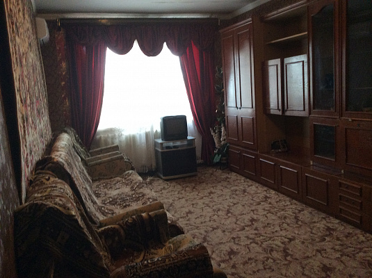 2-комнатная квартира посуточно в Рыбаковке. ул. 8 Марта, 3а. Фото 1