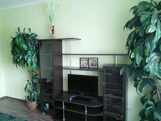 1-комнатная квартира посуточно в Полтаве. ул. Владимира Козака, 14. Фото 1