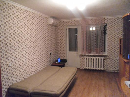 2-комнатная квартира посуточно в Симферополе. Железнодорожный район, ул. Семашко, 5. Фото 1