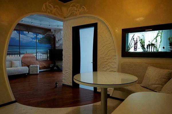 3-комнатная квартира посуточно в Одессе. ул. Литературная, 12. Фото 1
