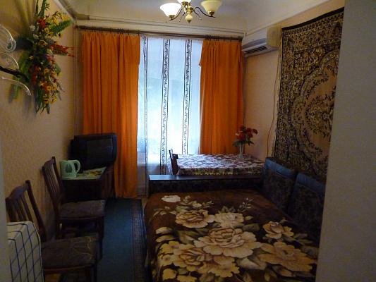 Комната  посуточно в Одессе. Приморский район, ул. Пантелеймоновская, 48. Фото 1