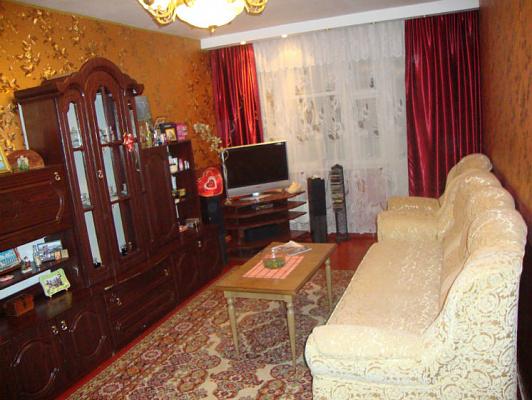 2-комнатная квартира посуточно в Ильичёвске. Лазурная, 1. Фото 1