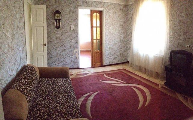 3-комнатная квартира посуточно в Хмельнике. ул. Суворова, 19. Фото 1
