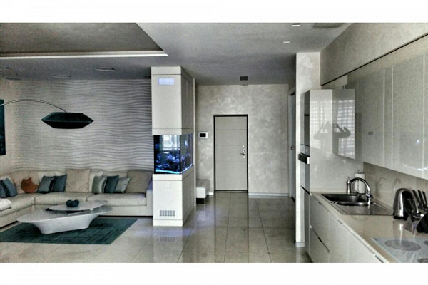 3-комнатная квартира посуточно в Днепропетровске. Бабушкинский район, ул. Европейская, 13. Фото 1