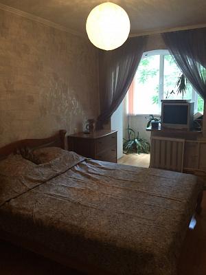 2-комнатная квартира посуточно в Южном. пр-т Мира, 28. Фото 1
