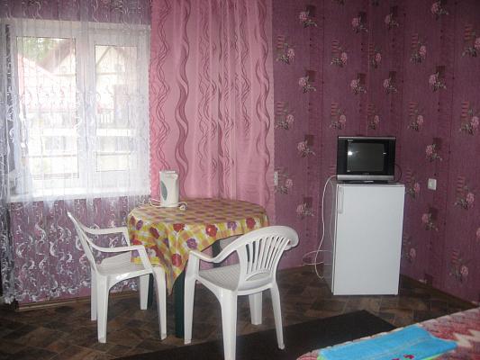 Комната  посуточно в Святогорске. пер. Парковый, 7. Фото 1