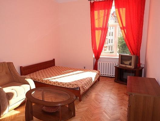 2-комнатная квартира посуточно в Львове. Галицкий район, пл. Святого Теодора, 5. Фото 1