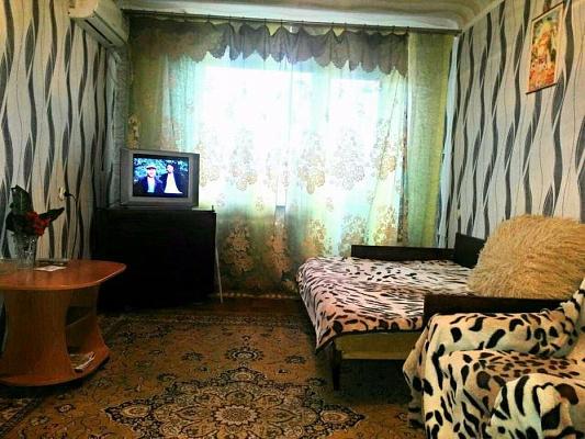 1-комнатная квартира посуточно в Кременчуге. ул. Театральная (Воровского), 31/20. Фото 1