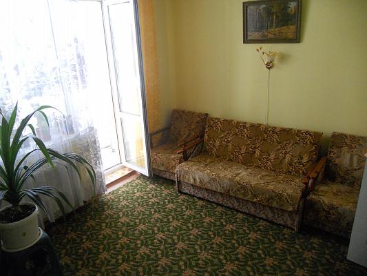 1-комнатная квартира посуточно в Феодосии. Новомосковский проезд, 59 а. Фото 1