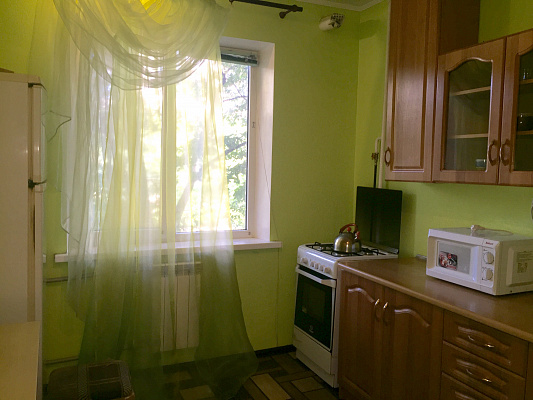 2-комнатная квартира посуточно в Киеве. ул. Якуба Коласа, 23. Фото 1