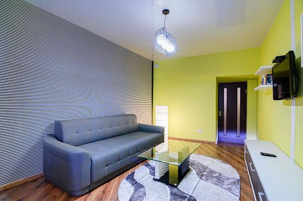 2-комнатная квартира посуточно в Львове. Галицкий район, пл. Ярослава Осмомысла, 11. Фото 1
