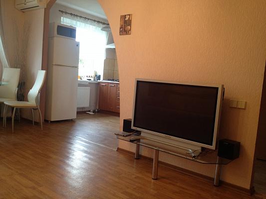 2-комнатная квартира посуточно в Одессе. Приморский район, пер. Светлый, 7. Фото 1