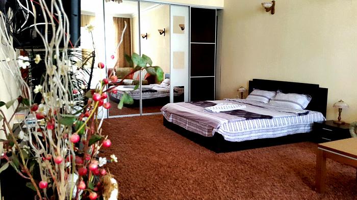 2-комнатная квартира посуточно в Тернополе. ул. Русская, 20. Фото 1