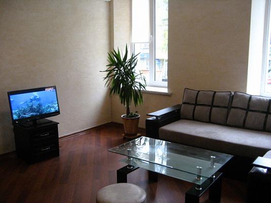 2-комнатная квартира посуточно в Одессе. Приморский район, пер. Маяковского, 9. Фото 1