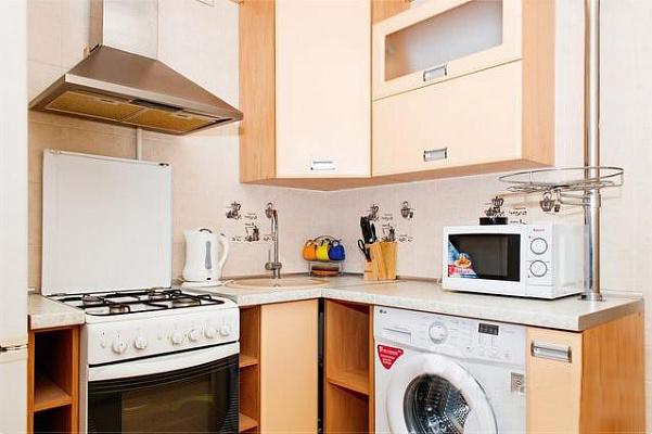 1-комнатная квартира посуточно в Днепропетровске. Амур-Нижнеднепровский район, пр-т Слобожанский, 11. Фото 1