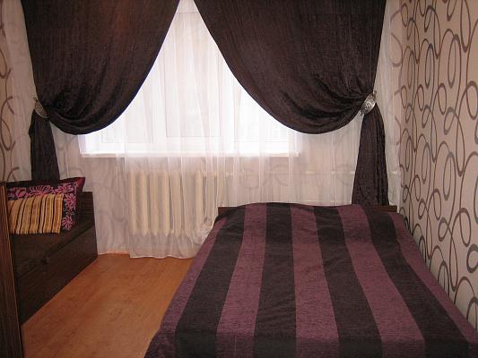 1-комнатная квартира посуточно в Киеве. Святошинский район, б-р. Вернадского, 63. Фото 1