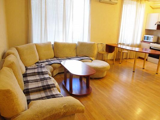 2-комнатная квартира посуточно в Запорожье. Ленинский район, ул. Трегубенко, 16. Фото 1
