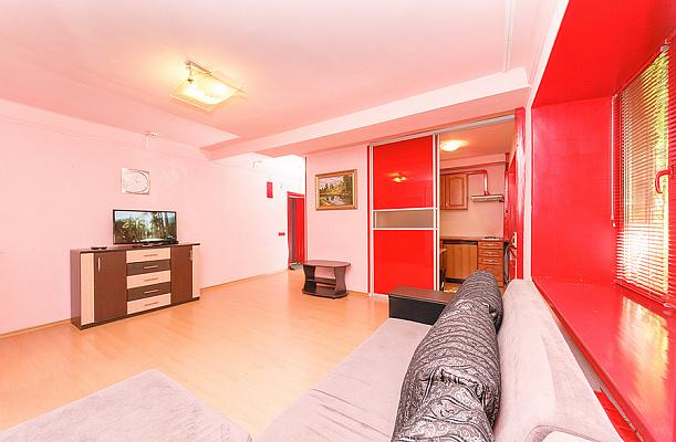 2-комнатная квартира посуточно в Киеве. б-р Леси Украинки, 14. Фото 1