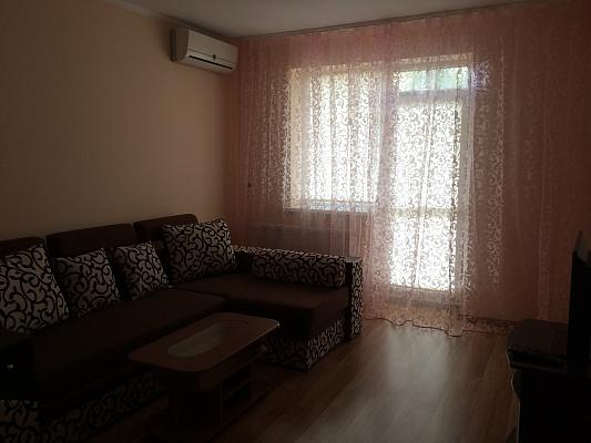 1-комнатная квартира посуточно в Ужгороде. ул. Хиры, 9. Фото 1
