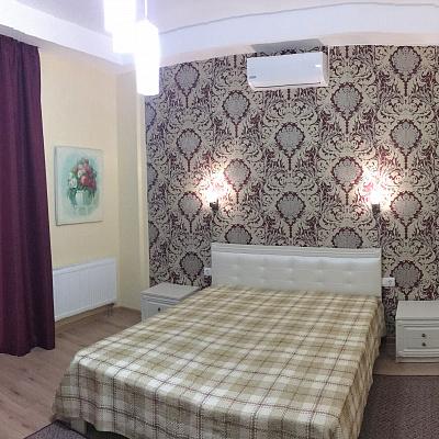 1-комнатная квартира посуточно в Севастополе. Гагаринский район, ул. П. Дыбенко, 22. Фото 1