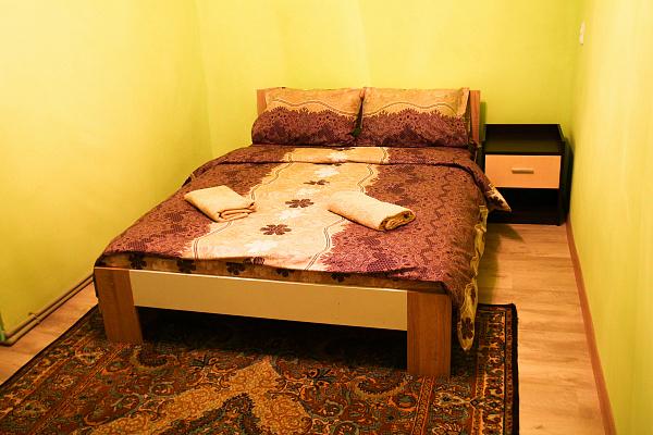 2-комнатная квартира посуточно в Ужгороде. ул. Франтишика Тихого, 17. Фото 1