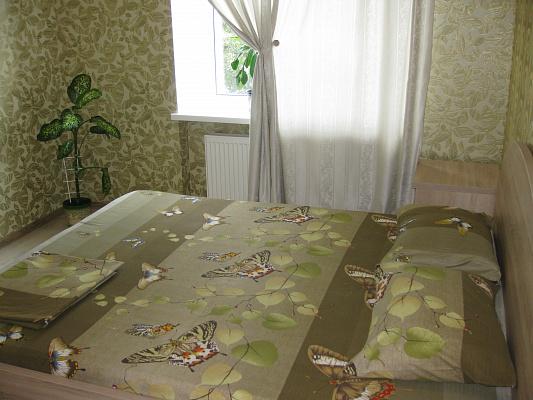 2-комнатная квартира посуточно в Чернигове. ул. Малясова, 19. Фото 1