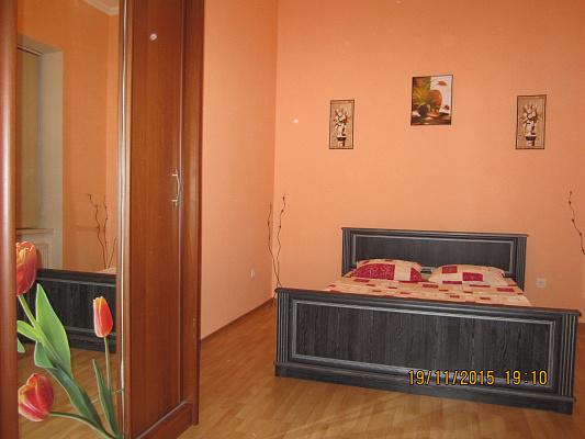1-комнатная квартира посуточно в Львове. Галицкий район, ул. Петра Дорошенко, 35. Фото 1
