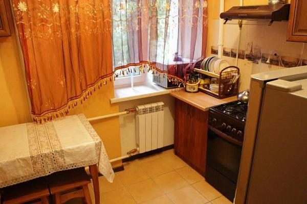 2-комнатная квартира посуточно в Одессе. Приморский район, пер. Лунный, 1. Фото 1
