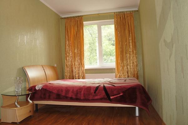 1-комнатная квартира посуточно в Херсоне. Днепровский район, ул. Университетская (40 лет Октября), 145. Фото 1