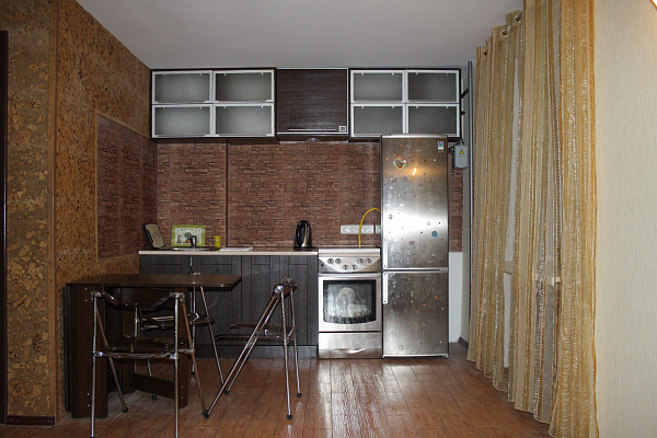 2-комнатная квартира посуточно в Полтаве. Киевский район, Улица сенная, 32. Фото 1