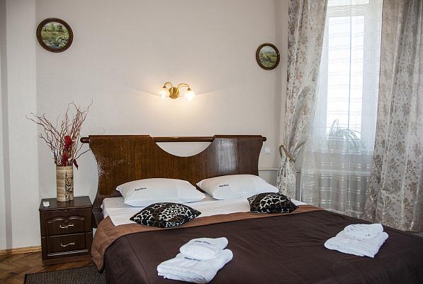2-комнатная квартира посуточно в Киеве. ул. Стрелецкая, 32. Фото 1