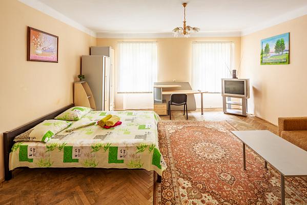 1-комнатная квартира посуточно в Львове. Галицкий район, пл. Я. Осмомысла, 9. Фото 1