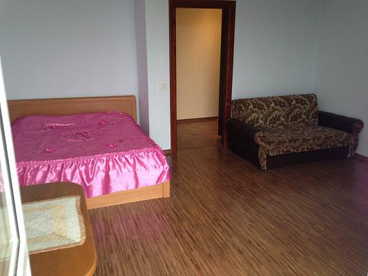 1-комнатная квартира посуточно в Ивано-Франковске. ул. Железнодорожная, 4. Фото 1